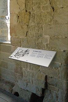 Tout pour plaire - mobilier signalétique - extérieur - pupitre mural - Carcassonne
